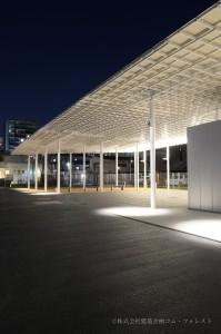 車庫(夜景)